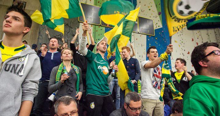 groen-gele support bij de Lions