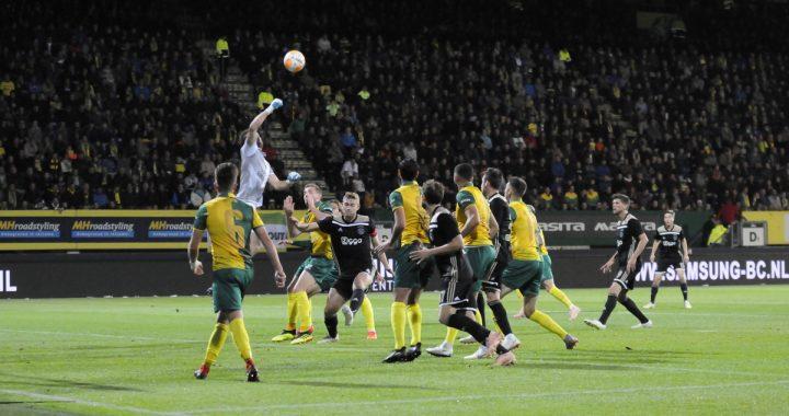 Foto's: Strijdend Fortuna ten onder tegen Ajax