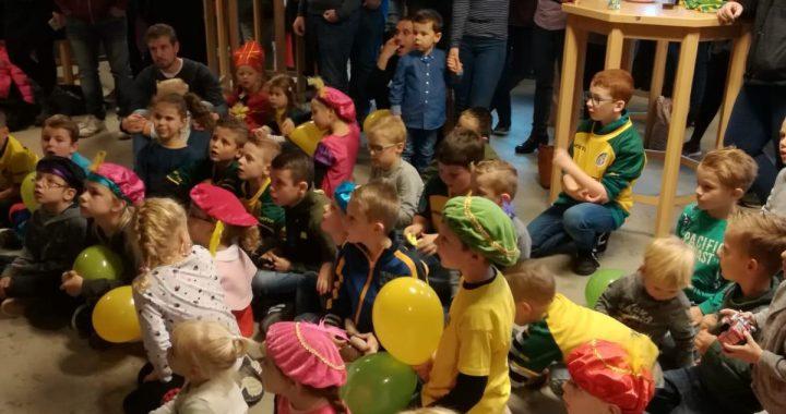 Sinterklaas verblijdt de Fortuniors op prachtig kinderfeest