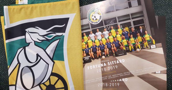 Nieuwe merchandise: Gevelvlag en elftalposter